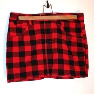 Limite skirt size  5